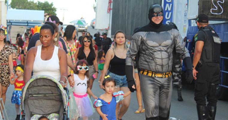 Pré-carnaval das crianças alegra crianças e reúne famílias em Salgueiro