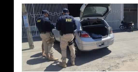 Homem é detido com veículo clonado em Petrolina