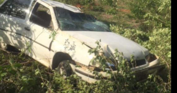 Homem perde controle de veículo e capota entre Serra Talhada e Triunfo