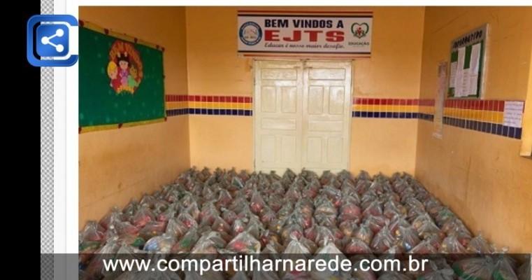 Governo de Verdejante inicia entrega de kits alimentação para famílias de estudantes da Rede Municipal