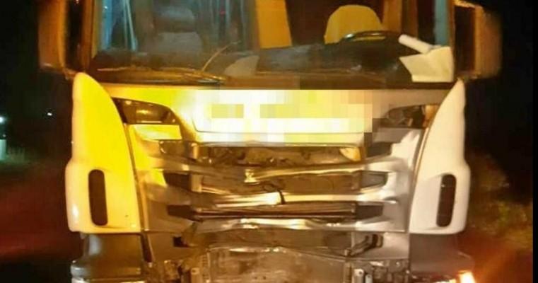 Adolescente morre após colisão entre moto e caminhão na BR-423, em Lajedo