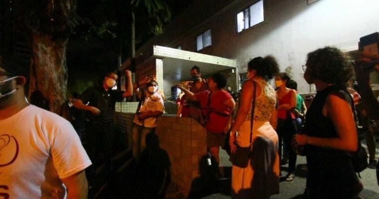 Menina de 10 anos estuprada pelo tio está no Recife; movimentos contra e a favor do aborto se reúnem em hospital