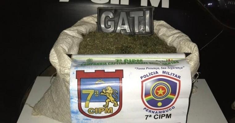 Santa Maria da boa vista-PE polícias do GATI realizam apreensão de 6,300 kg de maconha no assentamento banco da terra