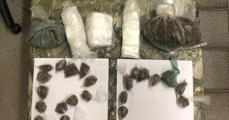 Salgueiro-PE polícias da Rocam prendem homem em Flagrante por tráfico de drogas no condomínio mandacaru