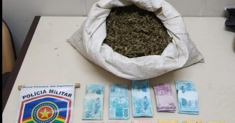 Salgueiro-PE Rocam prendem homem em Flagrante por tráfico de drogas na aldeia Lagoinha