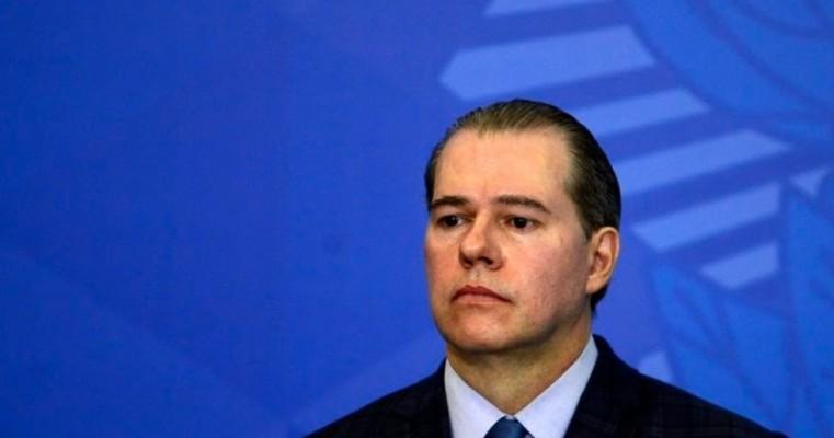 Ministro Dias Toffoli testa positivo para covid-19