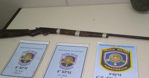 Salgueiro: PMPE apreende arma de fogo usada em tentativa de assalto próximo a entrada da Torre