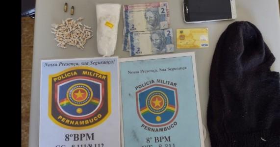 Policias militares prendem homem por trafico de entorpecente e posse de munições em Serrita