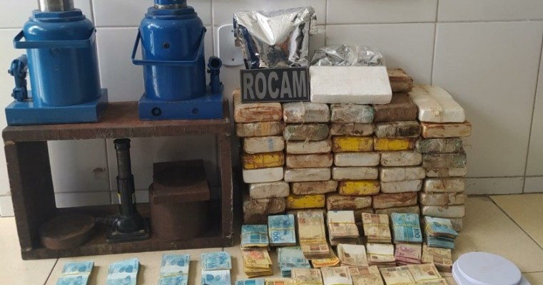 Policia desarticula quadrilha especializada em tráfico de drogas em Cabrobó e Petrolina, 53,559 kg de cocaína foram apreendidos