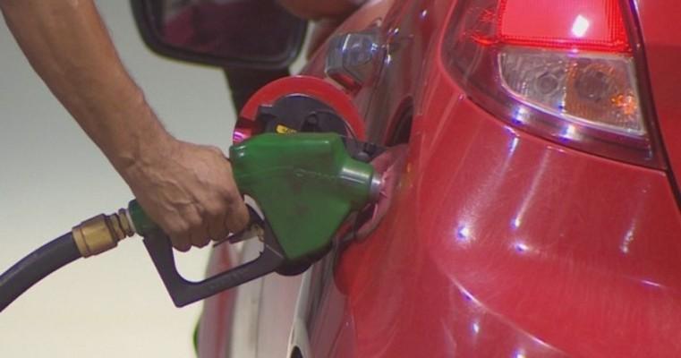 Ao menos 62% dos postos de combustíveis em Pernambuco têm irregularidades ambientais, diz CPRH