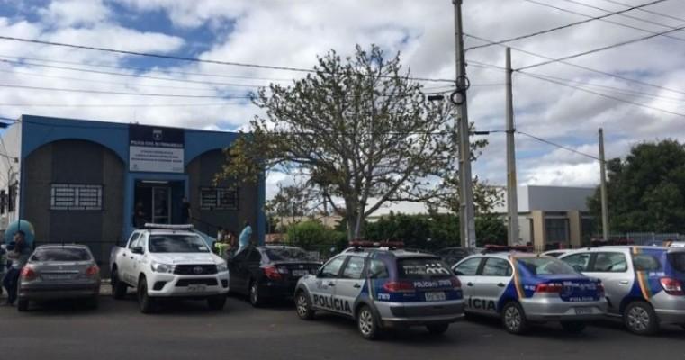 Em Salgueiro, Policiais Militares recuperam celular roubado