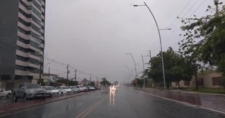 Apac emite alerta de chuvas intensas nas cidades do Sertão