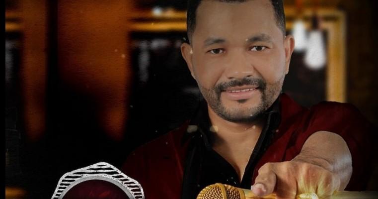 Cantor salgueirense Elias Filho lança seu novo CD autêntico