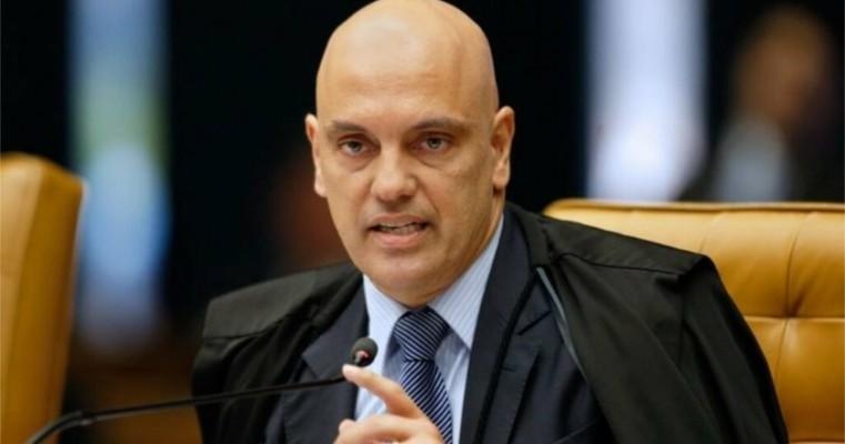 Alexandre de Moraes quer responsabilizar Facebook e Google por falas na internet