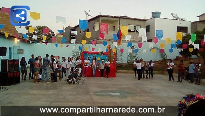 APAE realiza festa junina com alunos e familiares