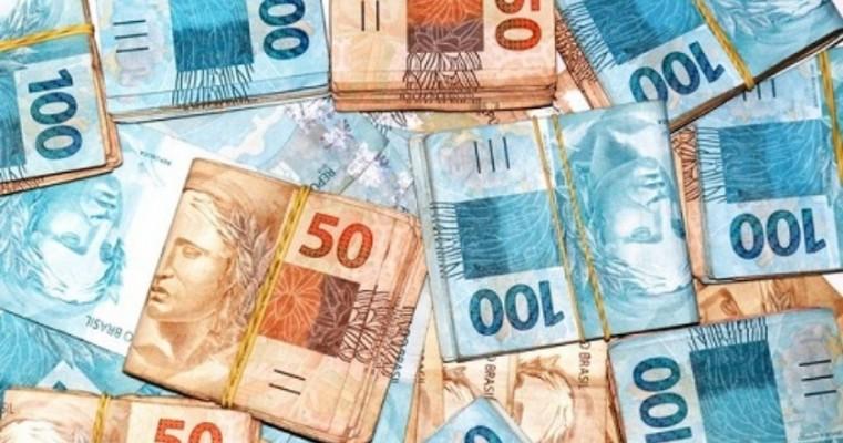 Governador anuncia linha de crédito de até R$ 50 mil para pequenas empresas