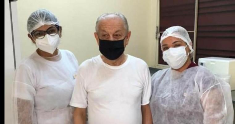 Dom Francisco Canindé Palhano, Bispo de Petrolina, recebeu a primeira dose da vacina contra a Covid-19 na