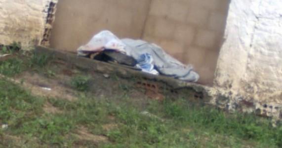 Homem com tornozeleira eletrônica é assassinado com diversos disparos de arma de fogo em Carpina/PE