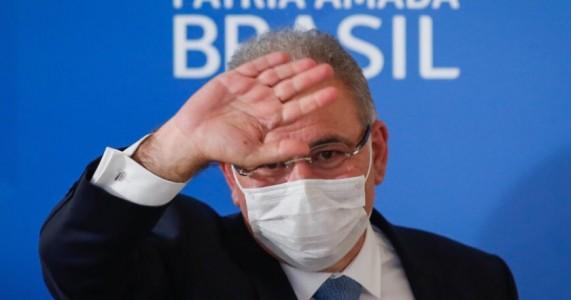Queiroga diz que Brasil deve enfrentar escassez de vacinas até o 2º semestre
