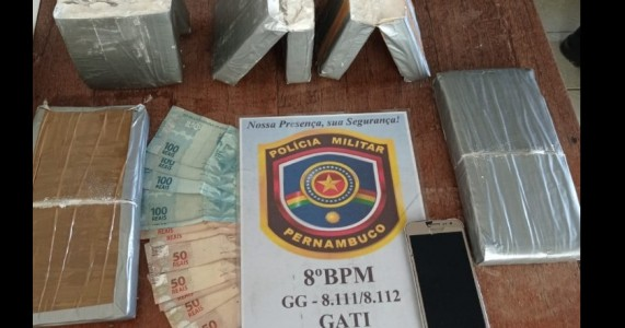 Homem é preso em flagrante com 4,9 kg de pasta base de cocaína em Parnamirim/PE
