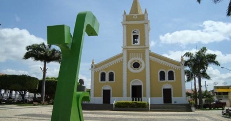 Prefeito de Salgueiro Dr. Marcones Sá veta integralmente projeto que tornava cultos e missas essenciais
