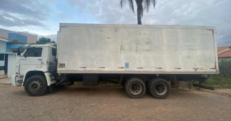 Caminhão roubado no trevo de ibó é localizado na BR-232, em São José do Belmonte/PE