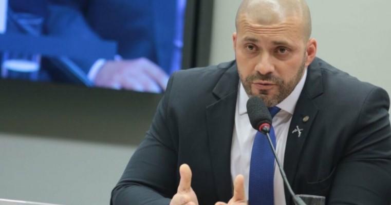 STF aceita denúncia contra deputado Daniel Silveira