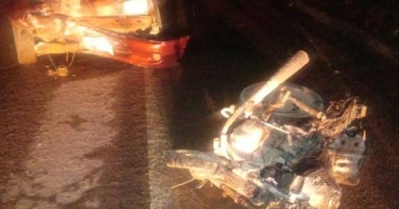 Colisão entre carro e motocicleta na BR-316 causa grave acidente com vitima fatal em Trindade/PE