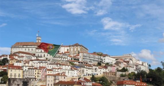 Com 54% da população totalmente vacinada, Portugal alivia restrições contra a Covid-19