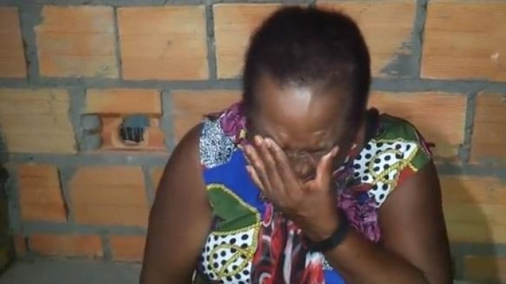 Usuária se desespera com vírus em pen drive e passa álcool na casa