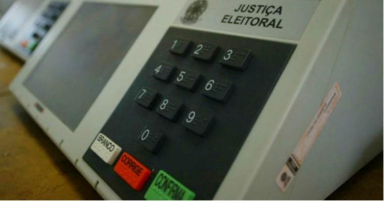 Empresa usou perfis falsos em redes para influenciar eleições no Brasil, diz reportagem