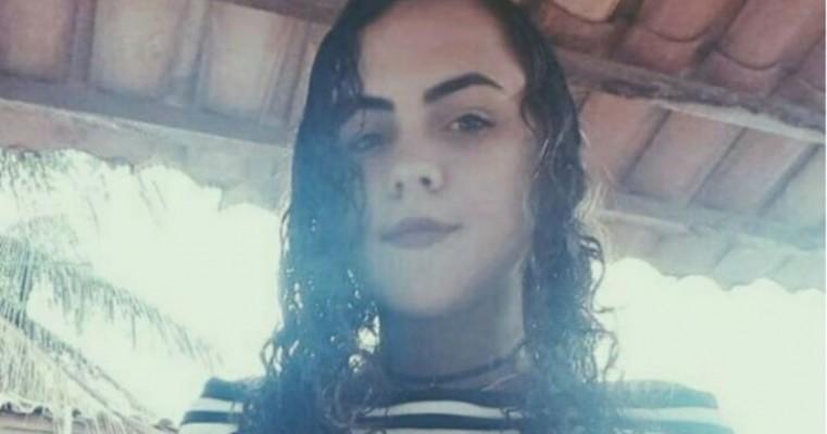 Mãe procura por filha de 14 anos que desapareceu na porta de colégio em Araripina, PE