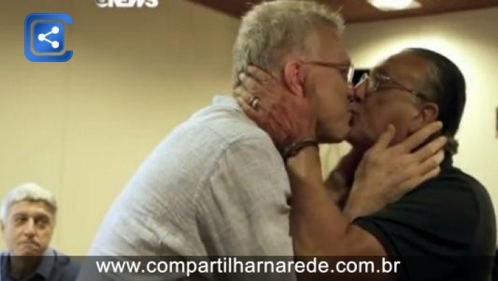 """Galvão comenta beijo em Pedro Bial e classifica como """"brincadeira saudável"""""""