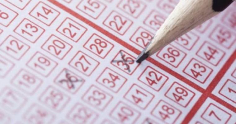 Homem faz aniversário, se aposenta e ganha na loteria; tudo no mesmo dia