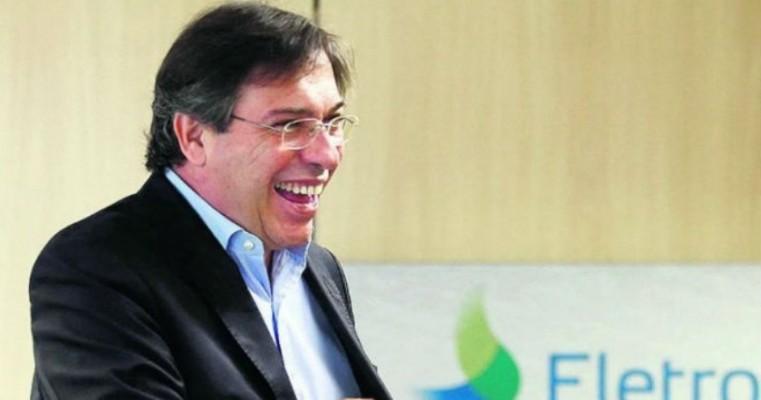 Presidente da Eletrobrás tenta subir próprio salário para R$ 77 mil